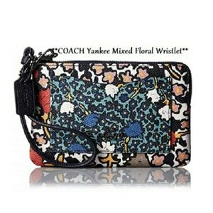 NWOT Limited edition COACH Yankee Floral Wristlet